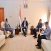 رئيس الوزراء يلتقي وكيل محافظة عدن لشؤون الشهداء والجرحى (مكتمل)