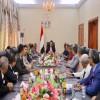 مصدر حكومي يتهم المجلس الانتقالي بالسعي لإفشال المصفوفة الأخيرة من اتفاق الرياض وتهريب الأسلحة الثقيلة إلى خارج عدن.