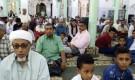 مسجد العيدروس يقيم صلاة العيد في اجواء روحانية