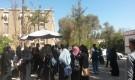 لماذا منعت المليشيا طالبات الإعلام من الجلوس بساحة كليتهم بجامعة صنعاء ؟