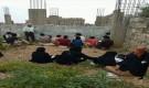 مدرسة في محافظة تعز يدرس طلابها من سبيعينات القرن الماضي و إلى اليوم في العراء
