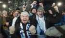 احتفالات صاخبة في شوارع فنلندا بعد بلوغ اليورو