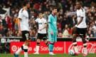 فالنسيا يلحق بمدرب برشلونة الجديد خسارته الأولى
