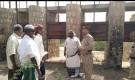 محافظ ابين يتفقد مشروع انشاء قناة لتصريف مياه السيول بمنطقة المسيمير