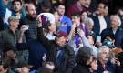 جماهير برشلونة ترفع