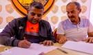 نادي شمسان يقدم مدرب فريقه الكروي السوري محمد ختام