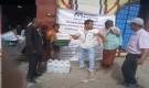 مدير عام الحصين يدشن توزيع سلال النظافة لأسر سوء التغذية