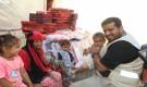 الهلال الأحمر الإماراتي يكرم مسنة تفوقت في مراكز محو الأمية وتعليم الكبار بالساحل الغربي.