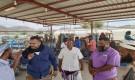 ممثل الشركة اليمتية للغاز يشرف على توزيع الغاز المنزلي بمديرية مودية
