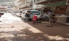 في مبادرة طوعية.. شباب القطيع يقومون بتعقيم الحي بالماء والصابون احترازا من كورونا