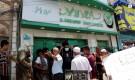 مدير مديرية الشيخ عثمان يغلق فرع شركة العمقي للصرافة لعدم استلام عملة 200 ريال الجديدة