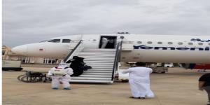 وصول ثاني دفعة من العالقين اليمنيين إلى مطار سيئون