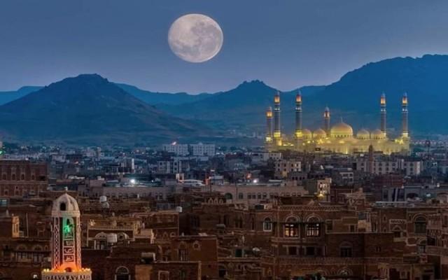 """أقارب الإمام """"المنصور"""" يعودون للسيطرة على منطقة بيت بوس وثلاث مديريات بصنعاء"""