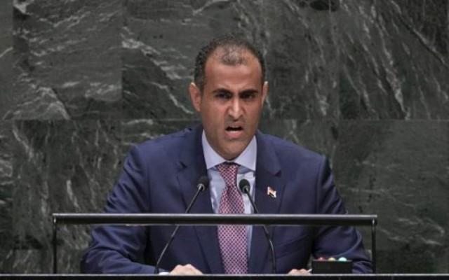 """الشرعية تطالب بنقل بعثة الحديدة الأممية لمنطقة """"محايدة"""""""