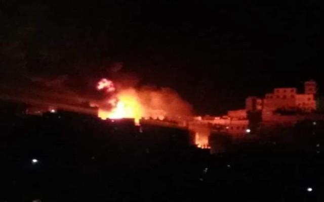 صنعاء..إحتراق حي بأكمله في منطقة السنينة