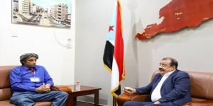 بن بريك يلتقي القيادي في الحراك الجنوبي محمد الحضرمي