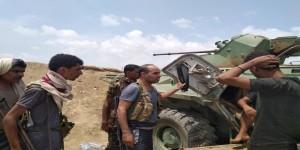 المستشار عبدالرحيم العولقي يتفقد الخطوط الأمامية في جبهة الشيخ سالم