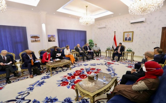رئيس الوزراء يستقبل في العاصمة المؤقتة عدن رئيس بعثة الاتحاد الأوروبي وسفراء عدد من دول الاتحاد