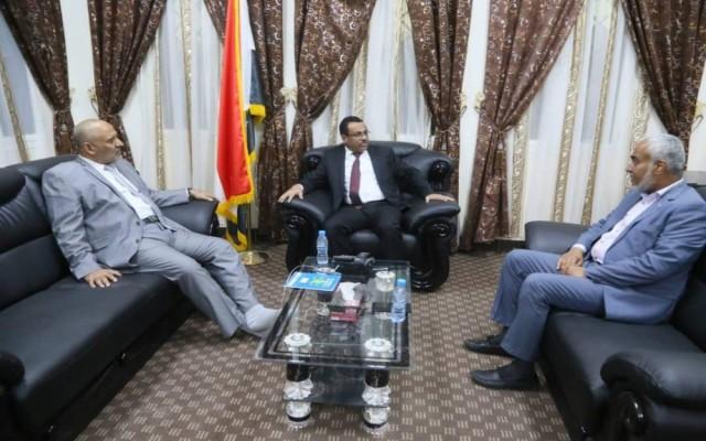 وزير النفط: سيتم إفتتاح عدد من المشاريع الإستراتيجية في حضرموت خلال الأيام القادمة